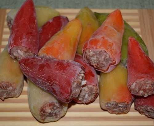 Можно ли заморозить горький перец на зиму: сохраняем жгучий овощ правильно