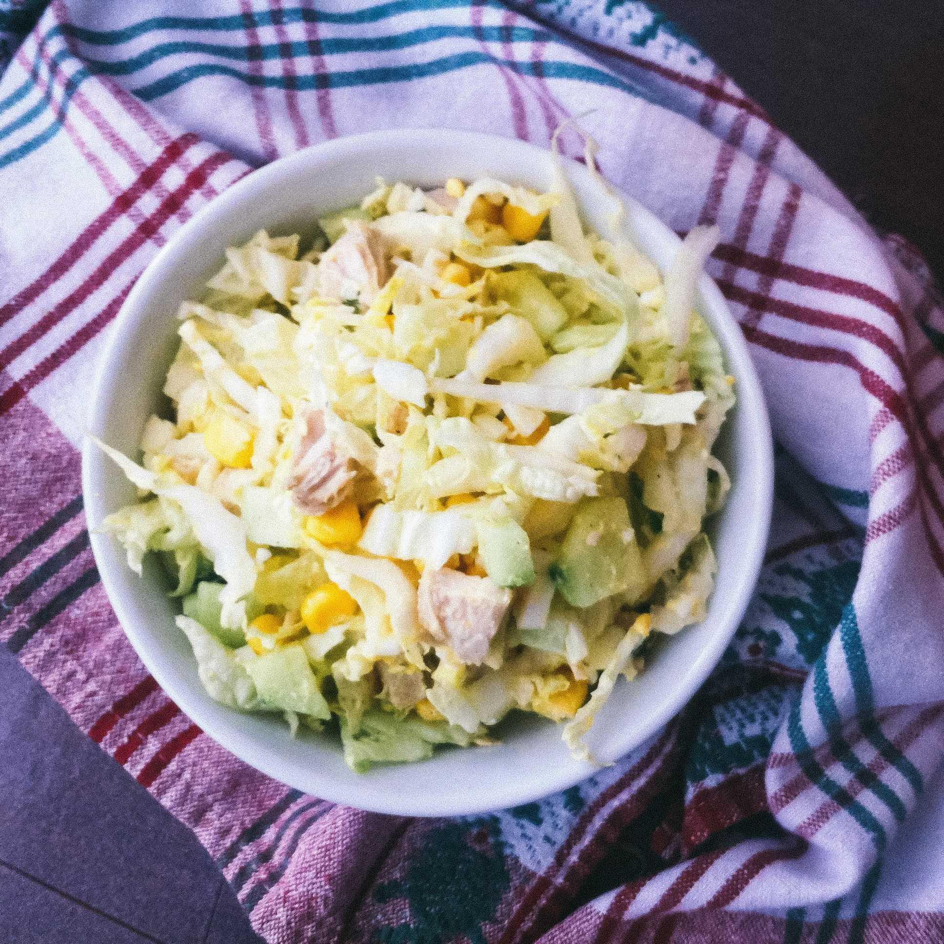 Салат с копченой курицей и пекинской капустой: рецепты с фото пошагово