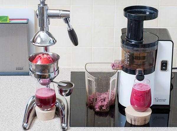 Как правильно выжать сок из граната в домашних условиях. Количество гранатов для приготовления 1 л жидкости. Отжим плодов вручную, в соковыжималке или блендере. Правила хранения.