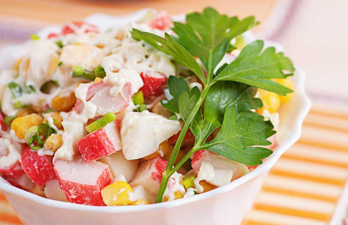 Крабовый салат без риса - калейдоскоп быстрых и простых рецептов: рецепт с фото и видео