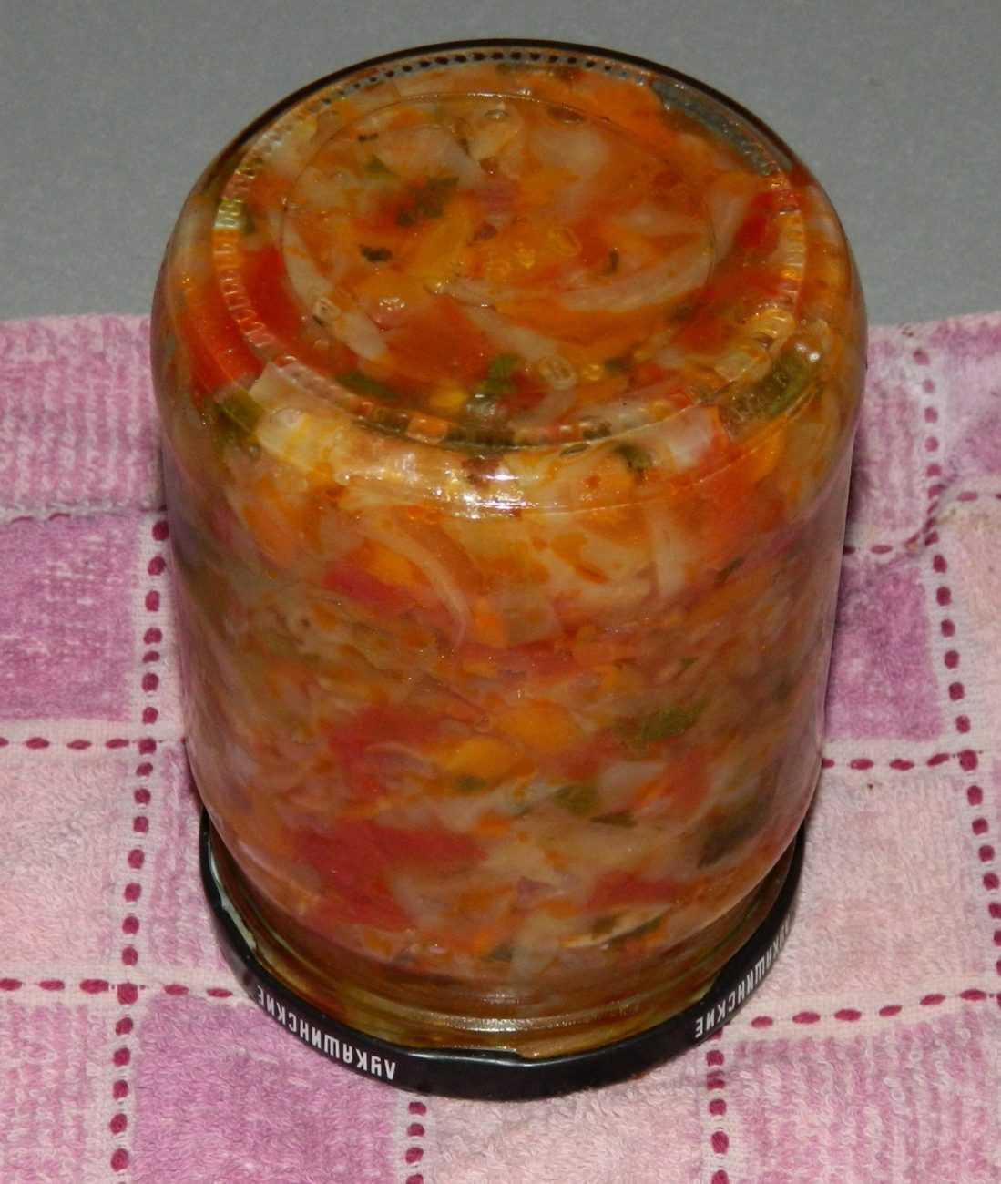 Солянка из капусты на зиму в банках: рецепты с грибами, помидорами, перцем