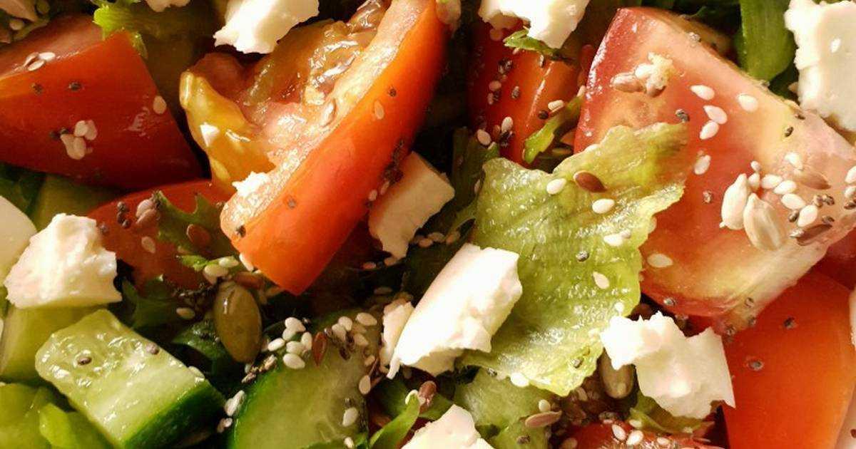 Салат греческий с брынзой классический