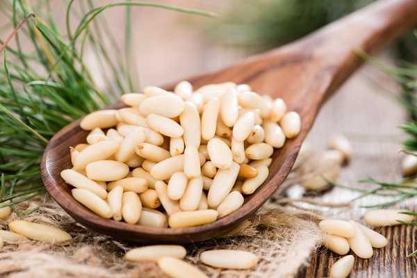 Самогон на кедровых орешках:простые рецепты в домашних условиях