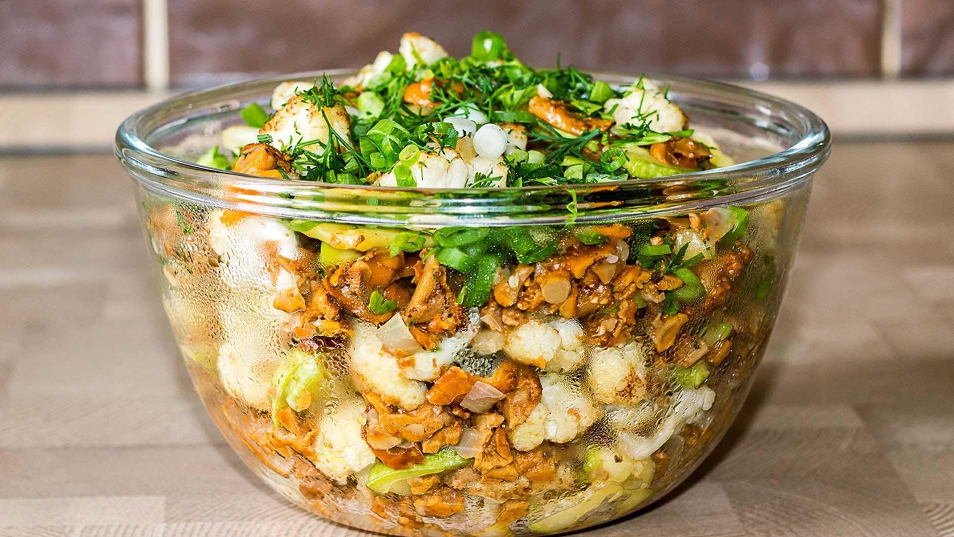 Постные салаты с грибами: фото, рецепты приготовления грибных салатов на поминки и праздники