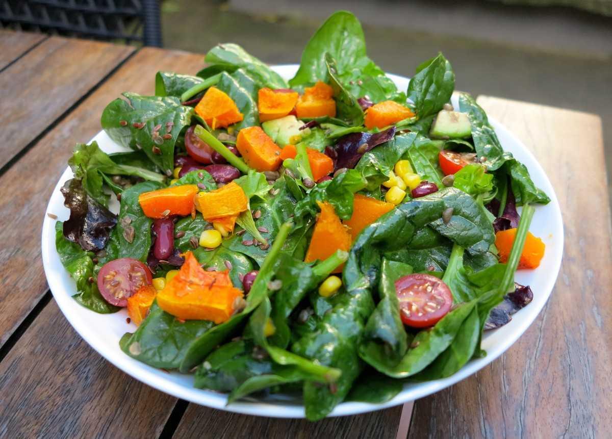 Салат со шпинатом – 6 простых и вкусных рецептов