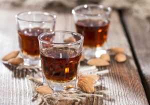 Настойки из черемухи на водке, спирте и самогоне - 4 рецепта