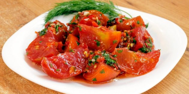 Как приготовить помидоры с корицей на зиму: с мятой, с чесноком, с болгарским перцем, зеленью, с гвоздикой. Правила хранения заготовок.