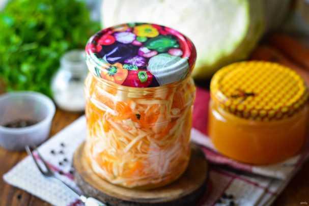 Квашеная капуста с медом: рецепты, правила засолки, полезные свойства