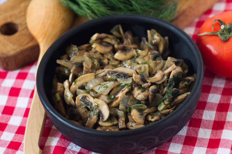 Курица с шампиньонами в сливочном соусе рецепт с фото пошагово - 1000.menu