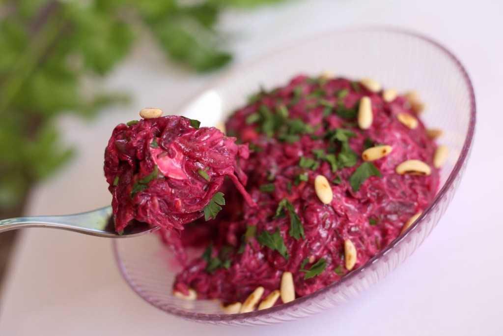 Современные салаты: вид салатов, состав, ингредиенты, пошаговый рецепт с фото, нюансы и секреты приготовления, необычное оформление и самые вкусные рецепты
