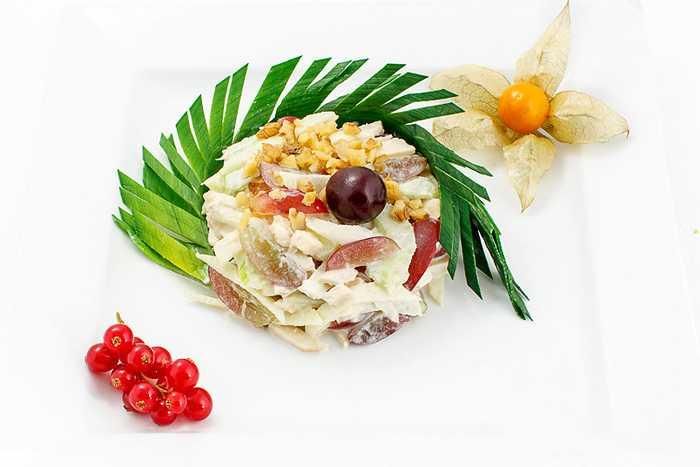 Как сделать салат со стеблевым сельдереем по пошаговому рецепту