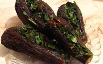 Соленые баклажаны под гнетом: с чесноком, зеленью, по-грузински, с морковью и перцем. Рекомендации по выбору продуктов, сроки и правила хранения.