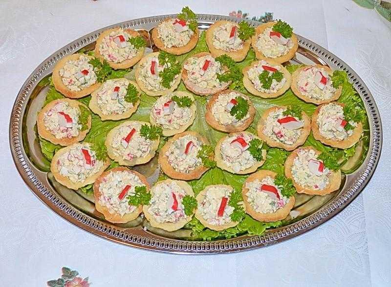 Тарталетки с сыром и красной икрой - 8 пошаговых фото в рецепте