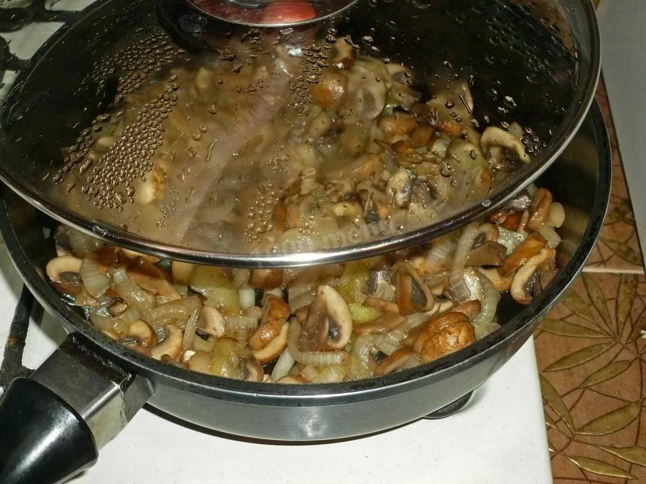 Салат с курицей и жареными грибами — пошаговый рецепт с фото