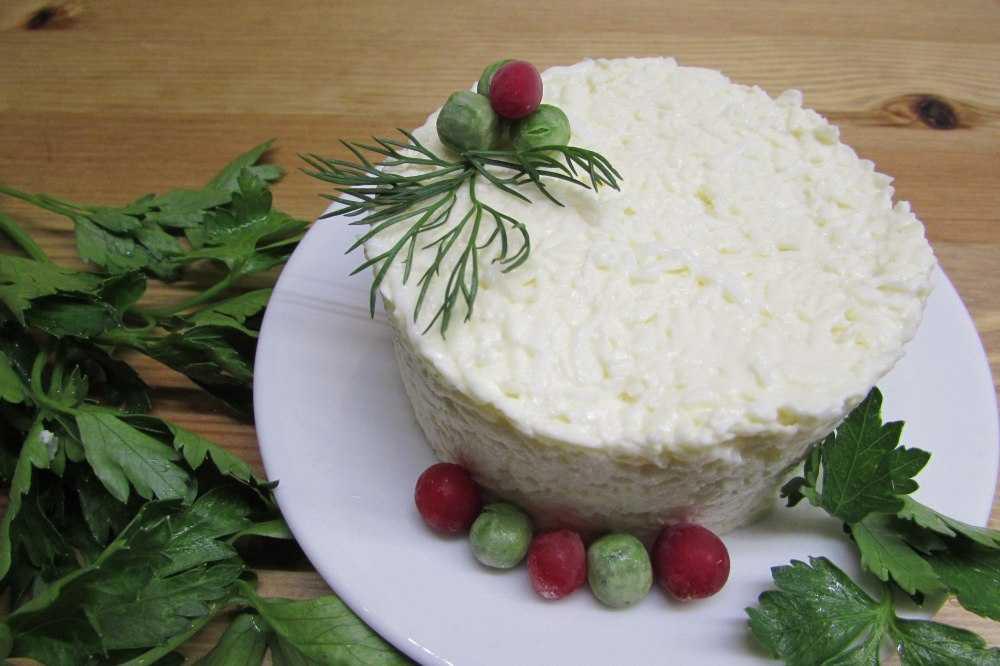 Как приготовить салат из сыра с чесноком и яйцом и плавленный сыр: поиск по ингредиентам, советы, отзывы, пошаговые фото, подсчет калорий, изменение порций, похожие рецепты