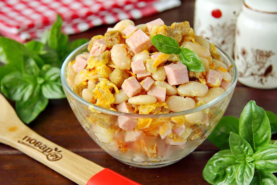 Салат с фасолью и копченой колбасой - 8 пошаговых рецептов