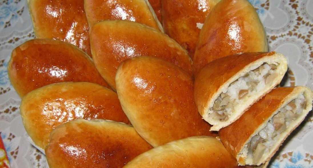 Рецепт дрожжевые пирожки с солеными груздями