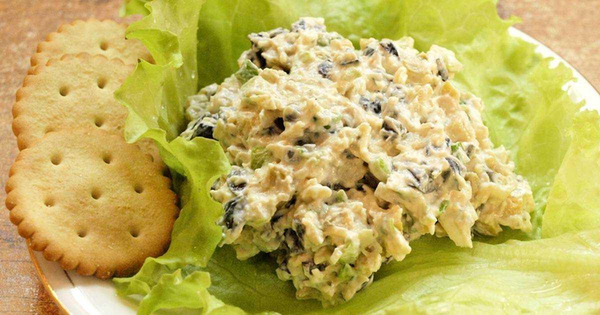 Салат из куриного филе, сыра и яиц рецепт с фото пошагово - 1000.menu
