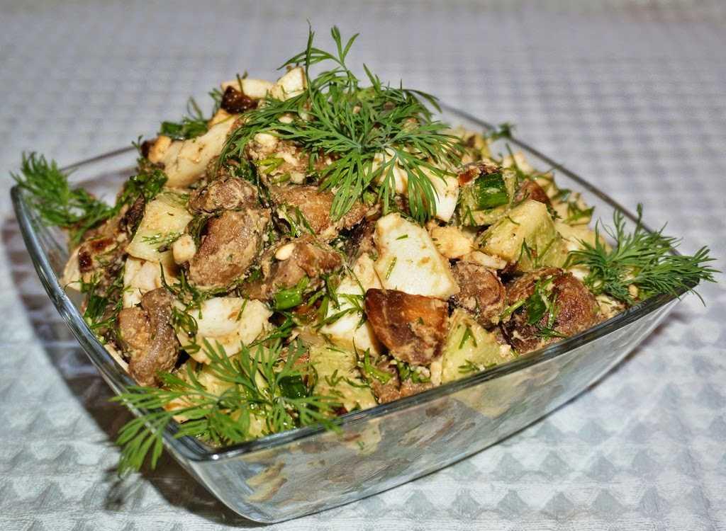 Салат из жареных шампиньонов с огурцом
