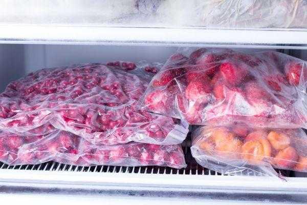 Как правильно заморозить вишню на зиму: выбираем лучший рецепт