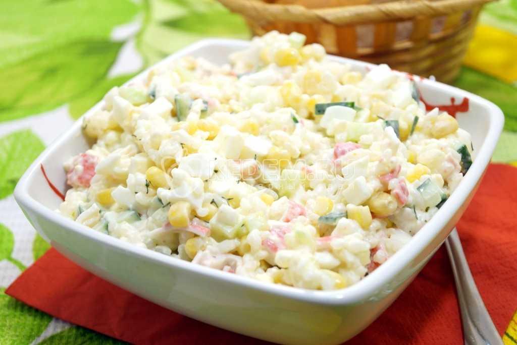 Диетический крабовый салат: классика в низкокалорийной обработке. диетический салат из крабовых палочек – рецепт