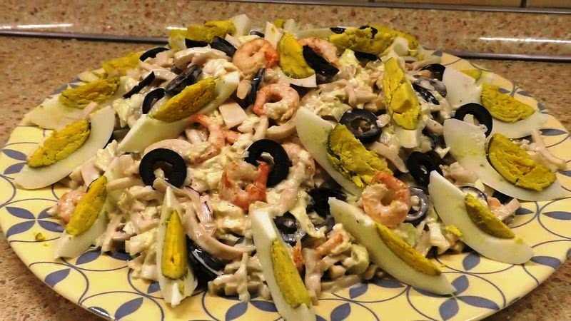 Салат с кальмарами на арахисовом масле рецепт с фото - 1000.menu