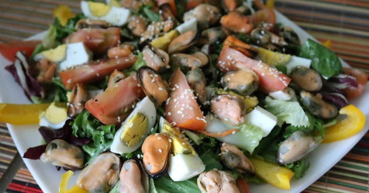 Салат с мидиями: 6 вкусных рецептов которые понравятся каждому