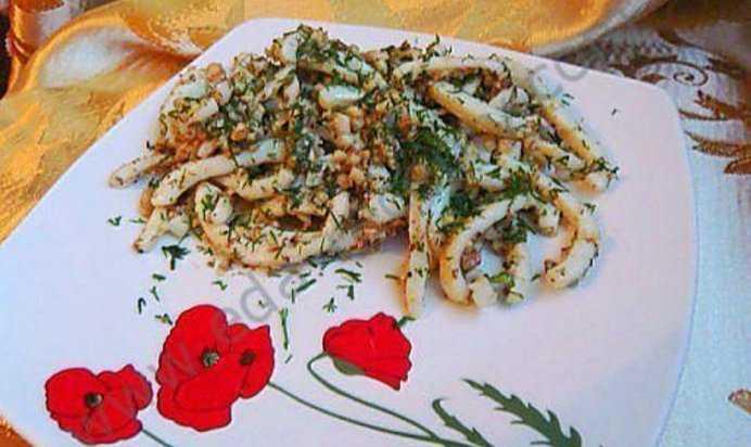 Как приготовить салат из кальмара с грецкими орехами: поиск по ингредиентам, советы, отзывы, пошаговые фото, подсчет калорий, удобная печать, изменение порций, похожие рецепты