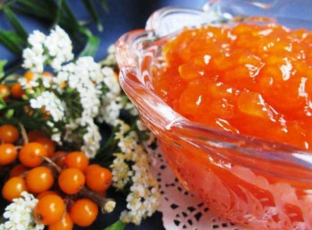 Варенье из черноплодки со сливой, с апельсином и лимоном: рецепты