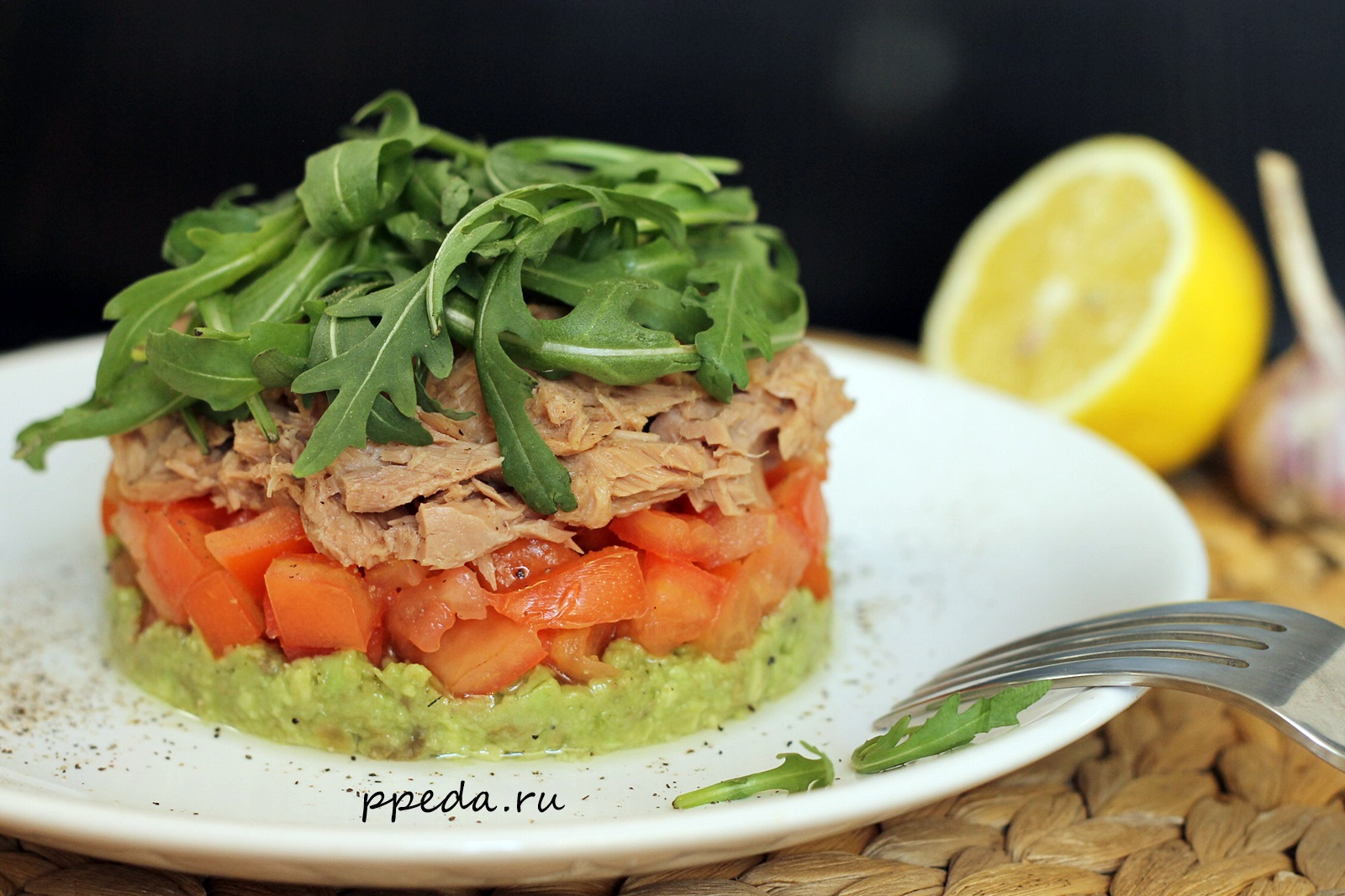 Диетический салат с тунцом — 6 вариантов