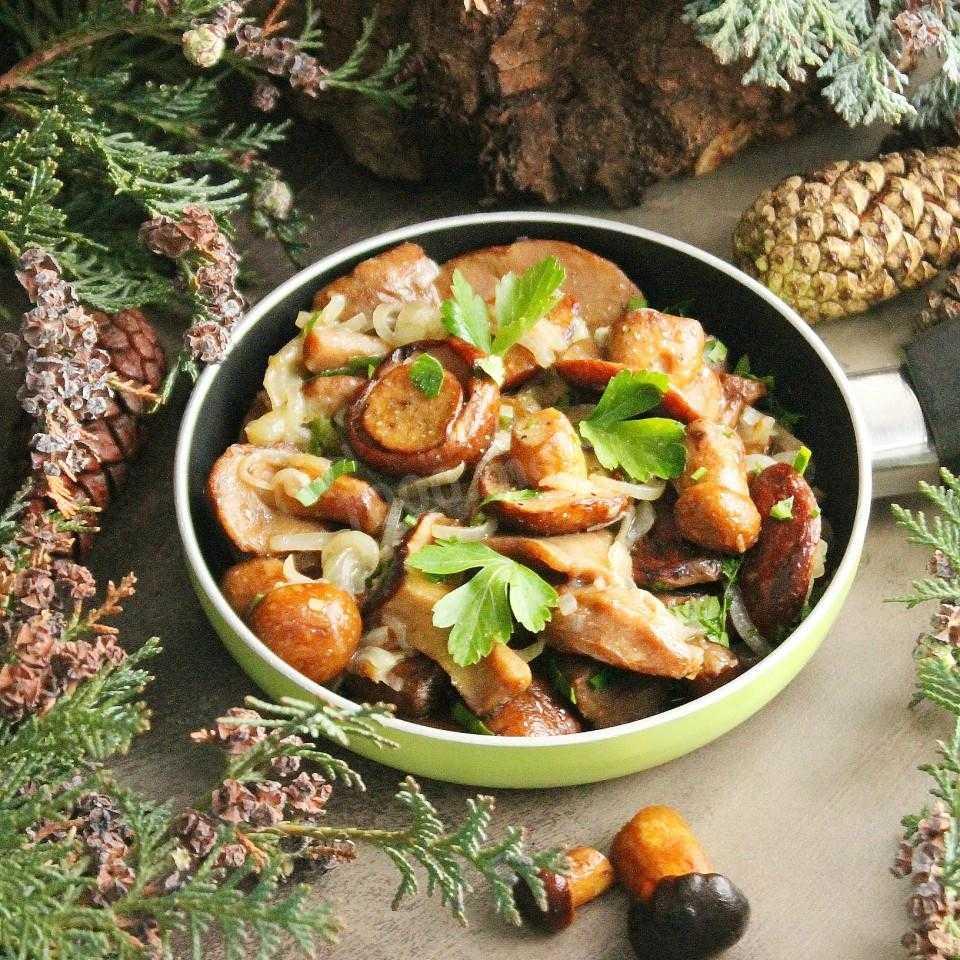 Как жарить маслята, чтобы блюдо получилось неповторимым? :: syl.ru
