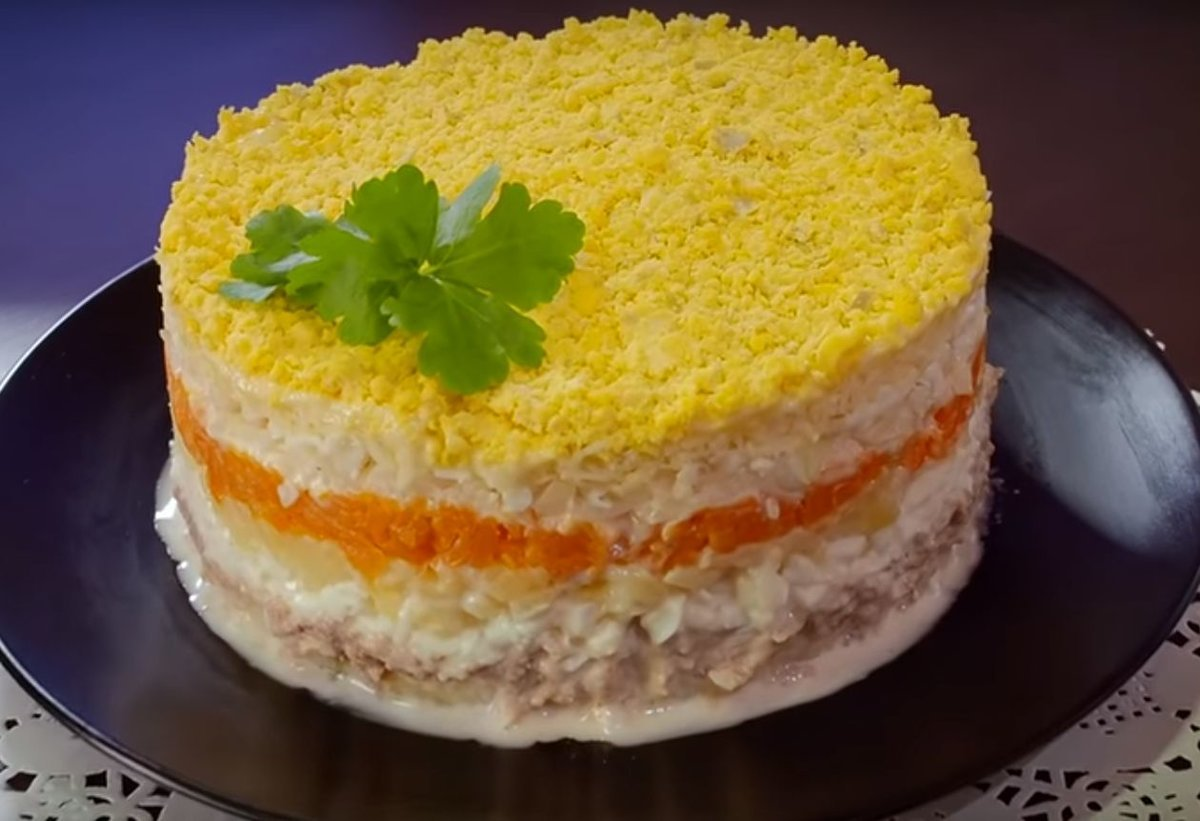 Простой салат из рыбных консервов с яйцом рецепт с фото пошагово - 1000.menu