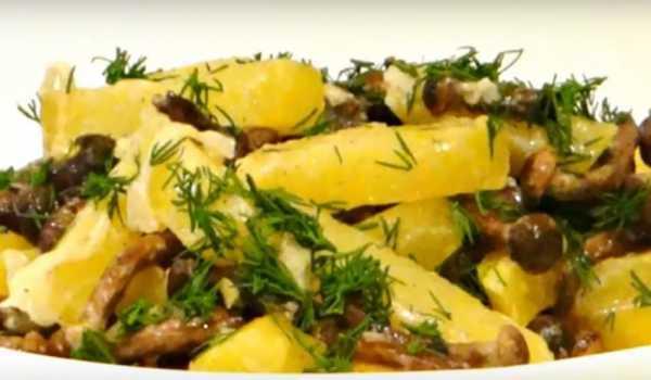 Картошка, жареная с луком в мультиварке - пошаговый фоторецепт