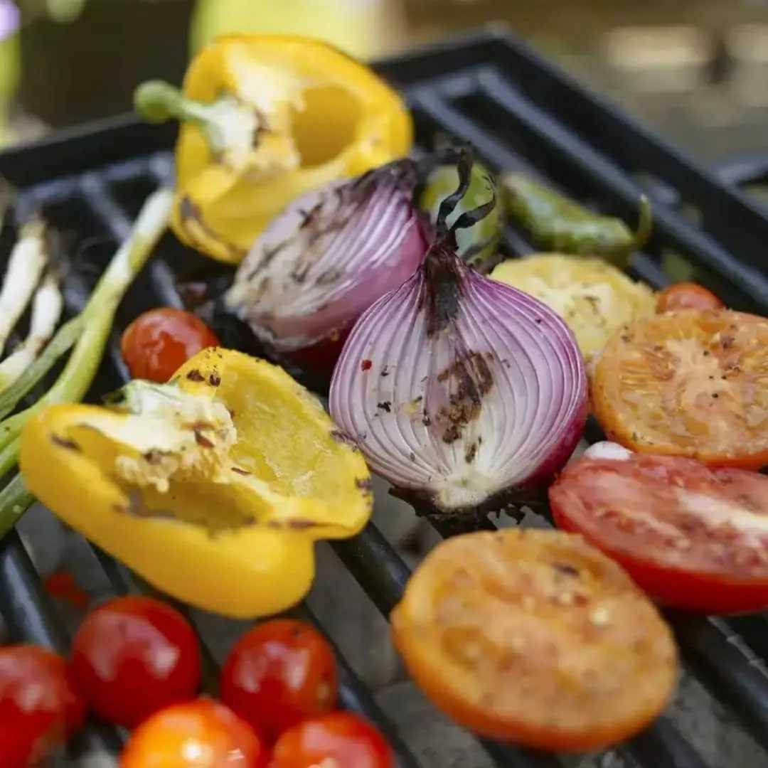 Салат из овощей, запеченных на мангале - 9 пошаговых фото в рецепте