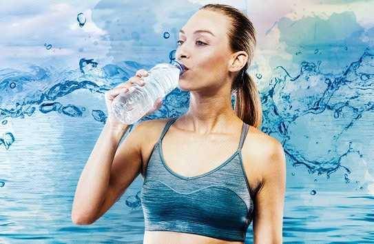 Какую воду пить - теплую или холодную, лучше сырую или кипяченую, чем полезно утром натощак, сколько для похудения?