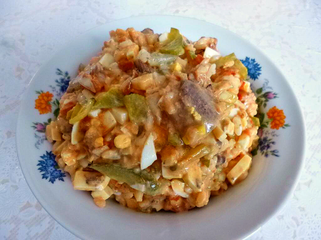 Как приготовить рыбный салат сайра сыр чеснок: поиск по ингредиентам, советы, отзывы, пошаговые фото, подсчет калорий, изменение порций, похожие рецепты
