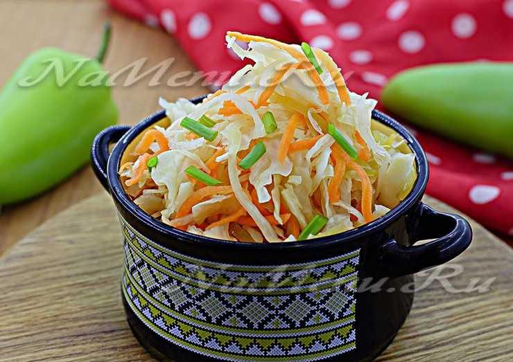Классическая квашеная капуста с морковью в собственном соку