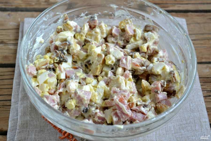 Салат с курицей и шампиньонами – сытное украшение стола! рецепт с фото и видео