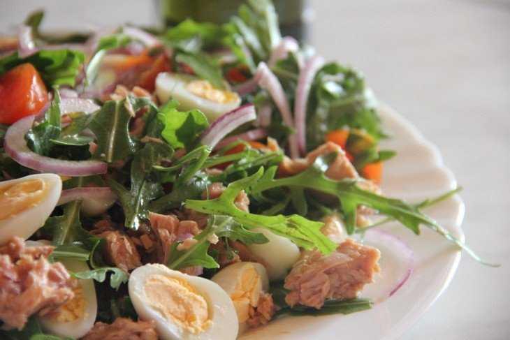 Салат «нисуаз» классический с тунцом: рецепты