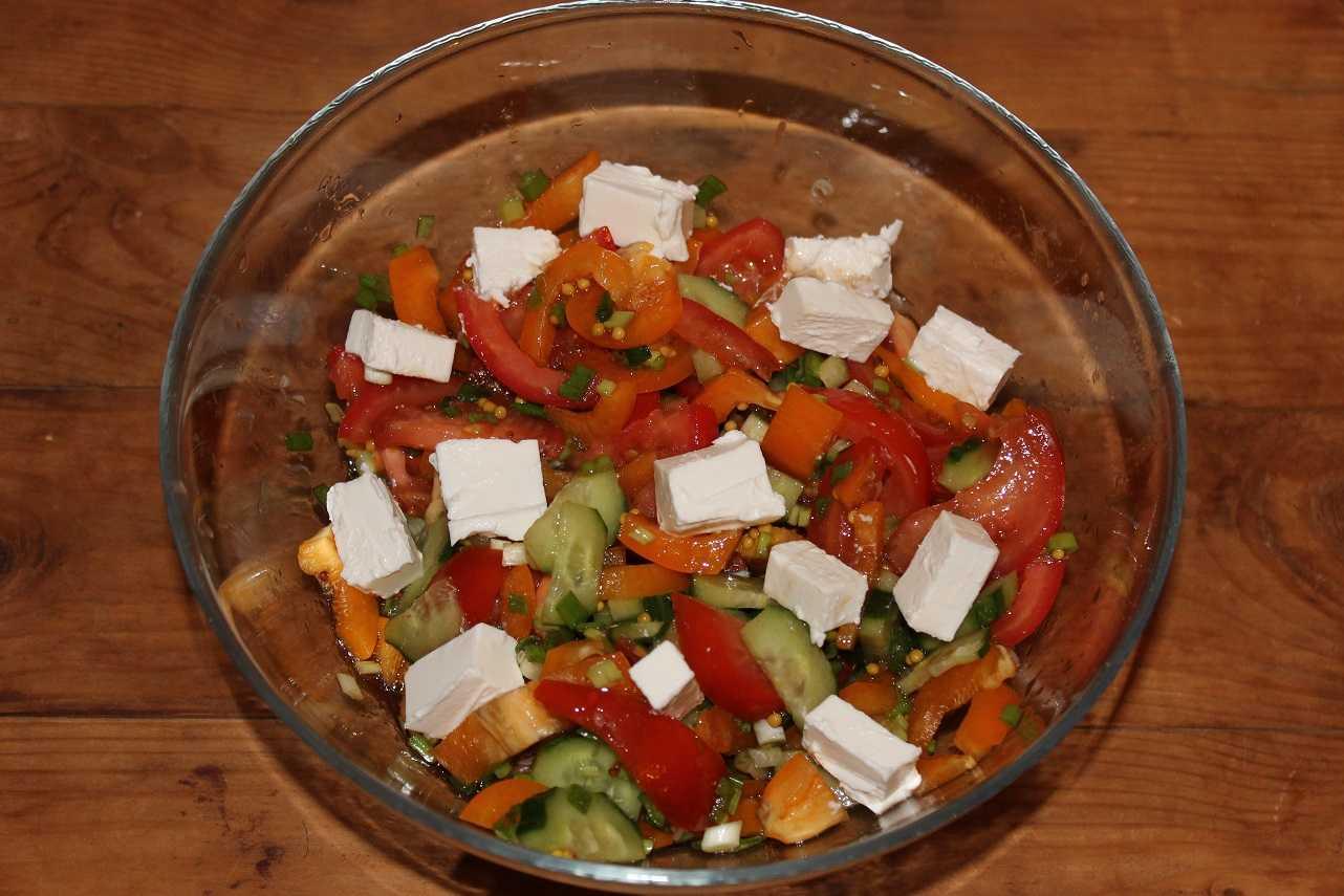 Салат с брынзой: пример простоты приготовления вкусных закусок