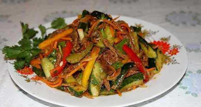 Мясо по-корейски с огурцами