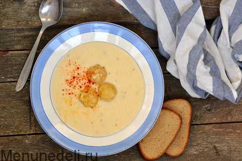 Куриный суп с плавленным сыром и вермишелью