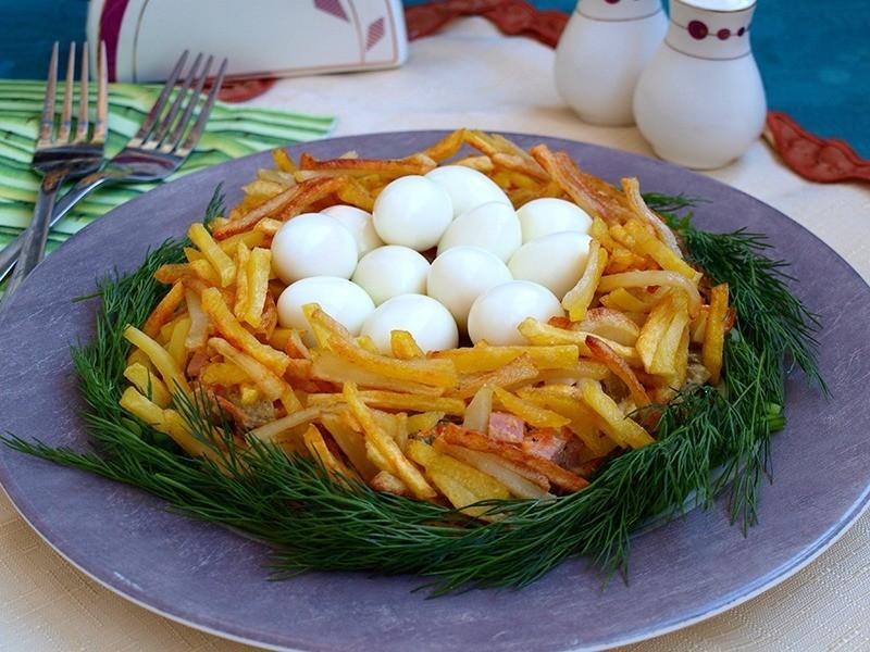 """Салат """"гнездо глухаря"""": классический рецепт, ингредиенты, украшение"""
