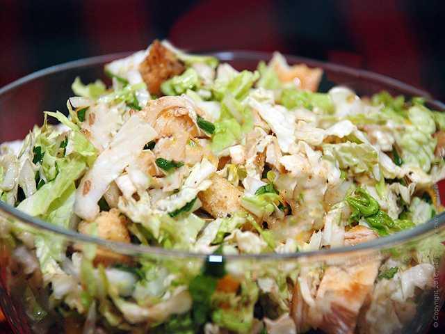 Салат с китайской капустой и курицей рецепт с фото пошагово - 1000.menu