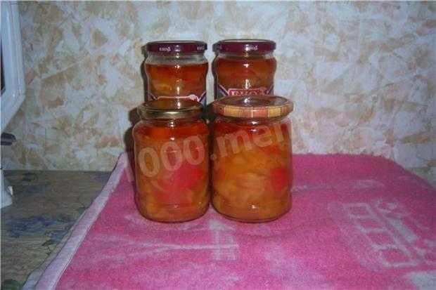 Лечо из болгарского перца с томатной пастой - очень оригинальная и универсальная закуска