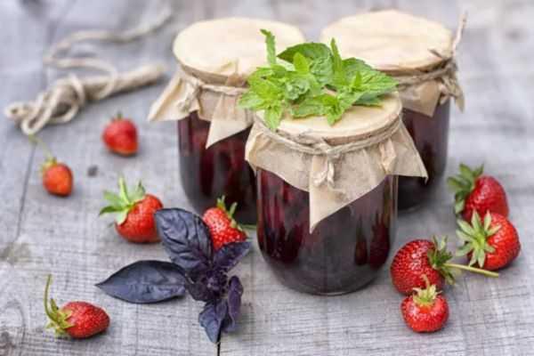 Густое варенье из клубники с целыми ягодами — классические рецепты