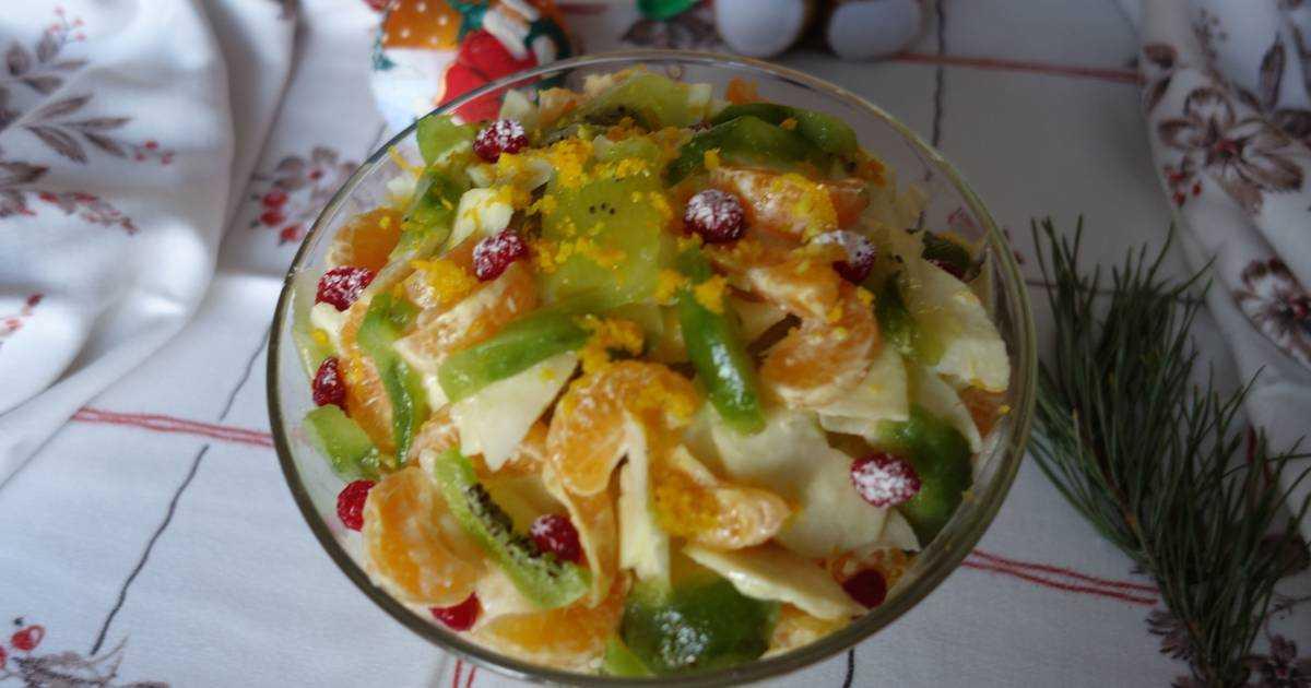 Фруктовый салат яблоки груши киви