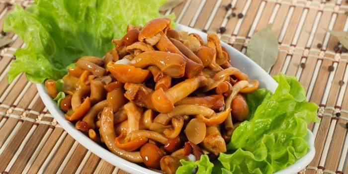Сколько хранятся маринованные грибы домашнего приготовления, в холодильнике