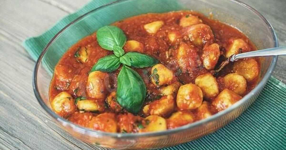 Салат с адыгейским сыром и помидорами: любимые рецепты