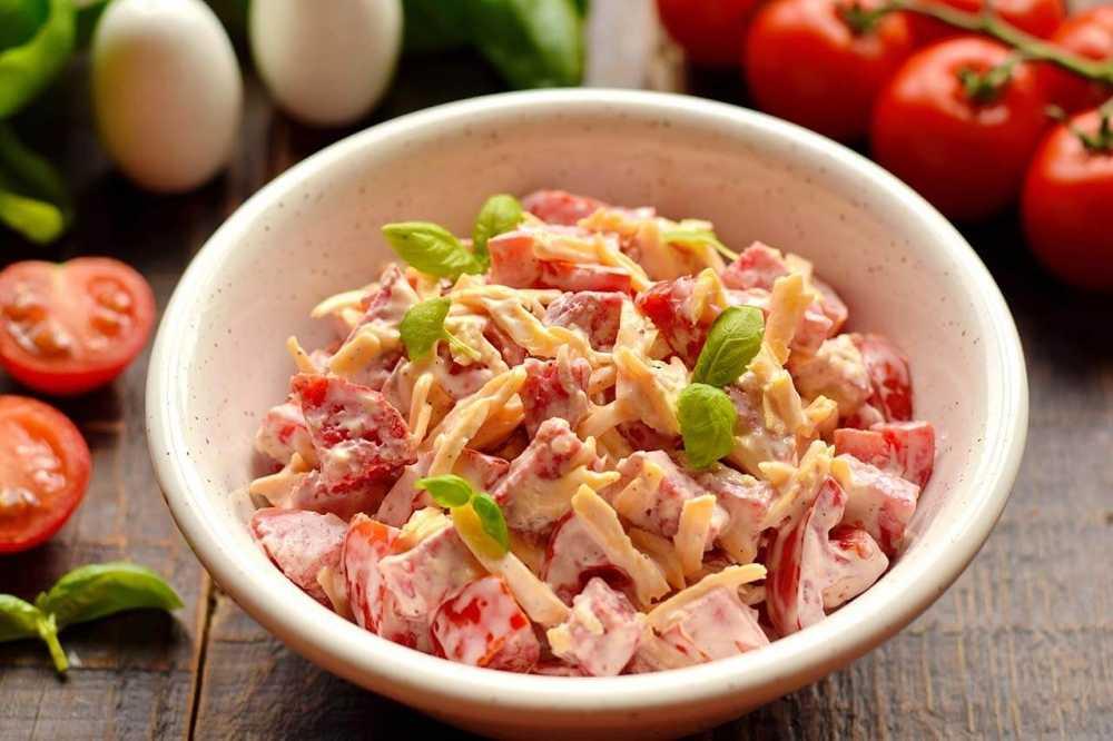 Салат с жареной говядиной с кунжутом и перцем рецепт с фото пошагово и видео - 1000.menu